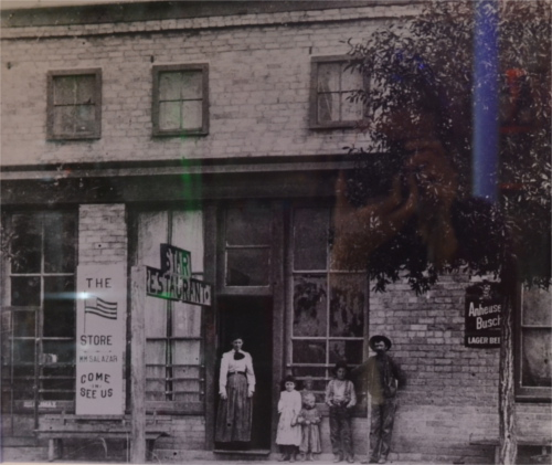 1918-20 The Star Restaurant, on Lincoln Ave west side of the plaza, where The Plaza Cafe now stands.