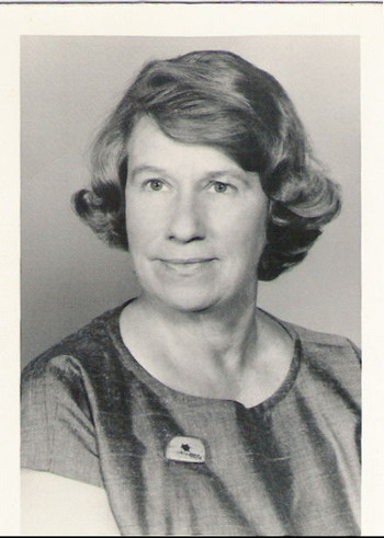 Dorothy Dunn Kramer circa 1968. Well known for teaching art at the Santa Fe Indian School. Image: Wikipedia.