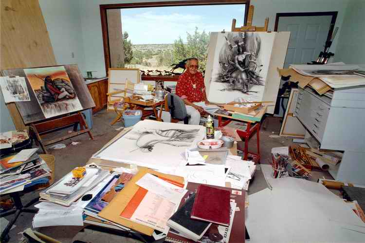 Allan painting in his studio. 1994. Image: Houser family archive.
