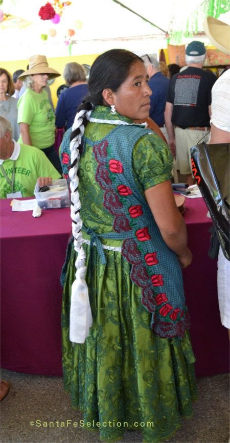 Mexico - Silvia Medina Hernandez. Clay bowls, vases & cookware.