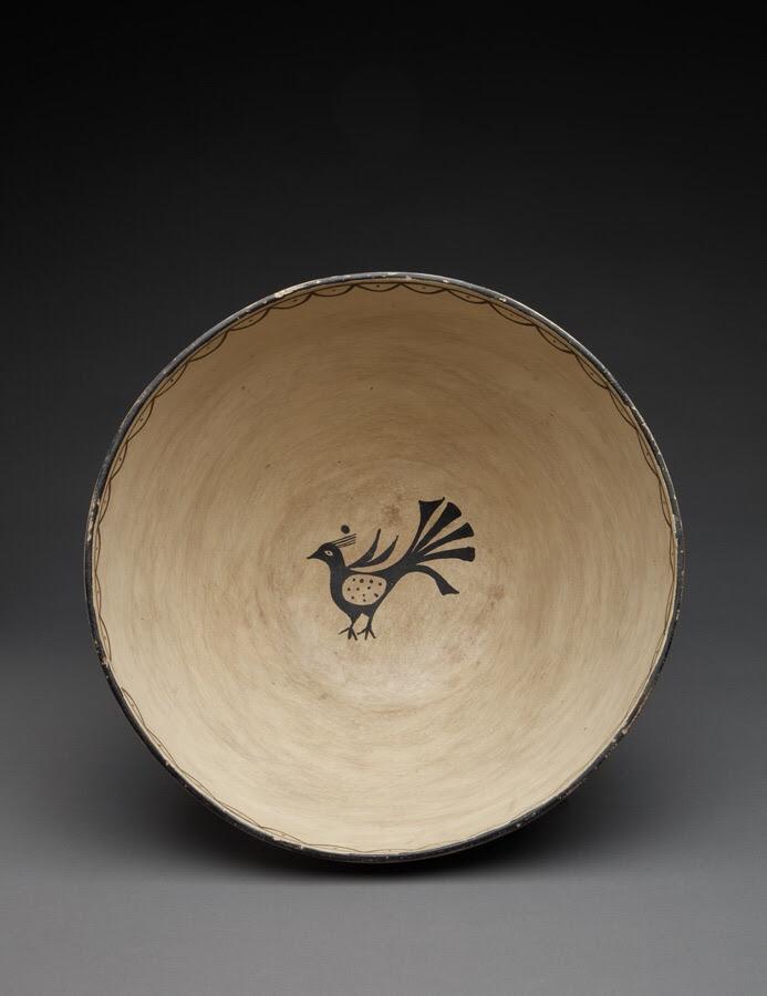 1930s early art market piece. Cochiti dough bowl, with inner small bird, attributed to Ignacita Suiña.