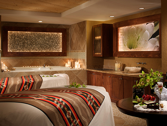 Wo'P'in Spa Couples treatment room with jacuzzi.