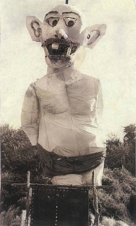 Zozobra in the year 1933.