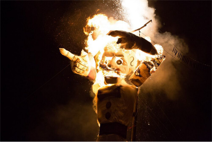 Zozobra just as his head explodes.